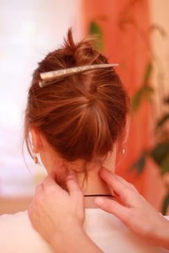 Wirbelsäulentherapie nach Dorn am Nacken