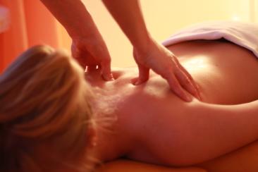 Wirbelsäulentherapie nach Dorn im Schulterbereich